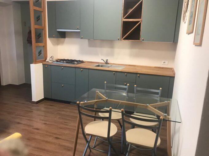 Appartamento al piano terra con terrazzo